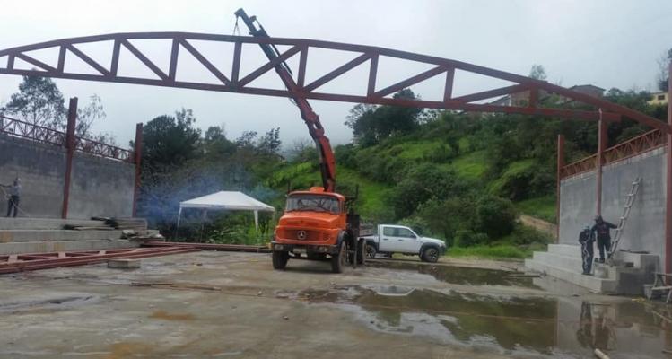CONSTRUCCIÓN DEL COLISEO PARROQUIAL.